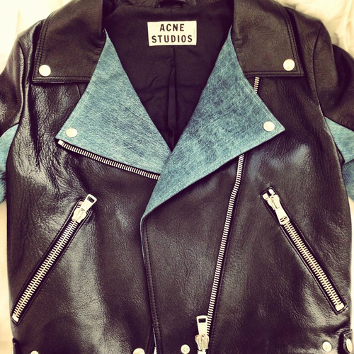 rock it acne coat