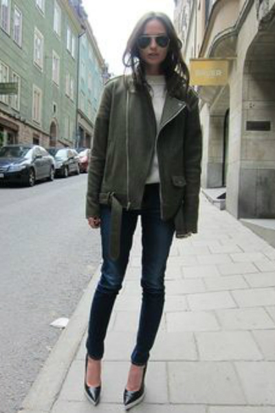 skinnies coat and pumps